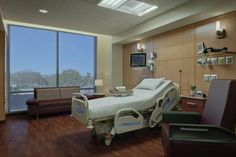 Private patient rooms are designed to flex to the needs of different patients. Photo: © Aker Imaging, Houston