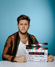 Mr looking very fine out and about doing press for new single in New York City 🌃🥰 Niall Horan Baby, Naill Horan, Irish Boys, Irish Men, James Horan, Gq, Ex One Direction, Direction Quotes, Light Blue Aesthetic