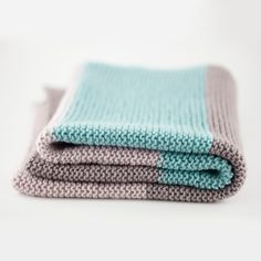 The Woven Simple Baby Blanket, knit in DK smooth twist merino, suitable for beginner, free pattern