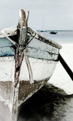 Boat Art, Beach Aesthetic, Summer Aesthetic, Beach Scenes, Life Pictures, Ocean Pictures, Jolie Photo, Ocean Life, Painting Inspiration