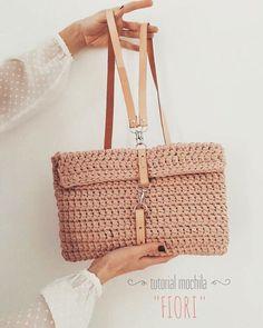 Diy Crochet Bag, Crochet Pouch, Crochet Backpack, Crochet Purses, Love Crochet, Knit Crochet, Crochet Baby, Finger Knitting, Knitting Yarn