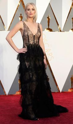 Disney homages, Prom hair and a man corsage - we round up the most eclectic Oscars style on the red carpet. Our verdict on Brie Larson in Gucci, Rooney Mara in Givenchy and Cate Blanchett in Armani