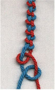 Alternating hitch knots  #handmade #jewelry #bracelet #friendship_bracelet #knotting #macrame