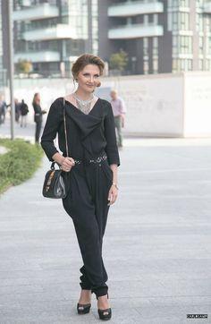 Tuta intera per un look elegante alla Milano Fashion Week Moda Italiana 38334e158edb