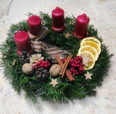 Christmas Time, Christmas Wreaths, Christmas Decorations, Table Decorations, Christmas Candle Holders, Advent Wreath, Handmade Christmas, Food And Drink, Arts And Crafts