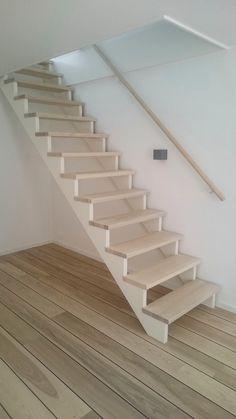 Stairs In 2019 Loft Stairs Attic Stairs Stairs Stairs Stairs In 2019 Loft Stairs Attic Stairs Stairs Escalera con sensor de movimiento DIY Staricase Design Ideas Trap in Eik 1 ste K MO Garage Stairs, Tiny House Stairs, Attic Stairs, Stairs Window, Attic Loft, Loft Design, House Design, Victorian Stairs, Attic Rooms