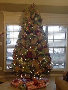 burlap and deco mesh christmas tree