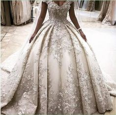 2017 Charming Amazing Crystal Bead 3-D Flowers Ball Gown Luxury Wedding Dresses No Sleeve Sexy Bridal Gowns 2017 New Plus Size