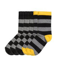 Fine-knit socks in a soft cotton blend in various designs. Elastication at top.