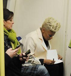 Emeli Sande filming music video on the London Tube-Her Hair Emeli Sande, Tv Reviews, Latest Celebrity News, Film Review, Pixies, Beautiful Words, Her Hair, Gossip, Music Videos