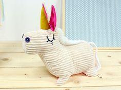 Tutoriel DIY: Coudre une peluche licorne en velours côtelé via DaWanda.com