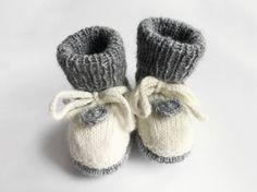 DIY-Anleitung: Babystiefel mit gehäkeltem Herz stricken via DaWanda.com