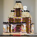 13 Spooky Gingerbread Haunted Houses