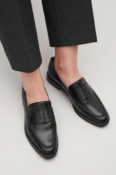 Side image of Cos leather loafers in black Outfit Loafers, Loafer Shoes, Women's Flats, Loafers For Women, Loafers Men, Minimalist Shoes, Boots For Sale, Leather Loafers, Brogues