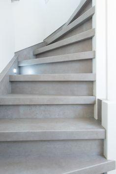 Stairz Traprenovatie - Beton grijs Interior Stairs, Smart Furniture, Interior Design Inspiration, Home Decor, Homes, Ad Home, Room Decor, Home Interior Design, Home Decoration