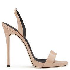 GIUSEPPE ZANOTTI Sophie. #giuseppezanotti #shoes #