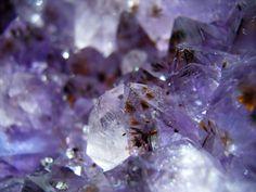 ❥ violet color gemstone