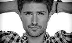 Matt Dallas, de la série «Kyle XY», fait son coming-out « Yagg