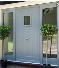 Front door porch modern entryway new Ideas Cottage Front Doors, Front Door Porch, Grey Front Doors, Modern Front Door, Front Door Entrance, Modern Entryway, House Front Door, Front Door Design, House With Porch