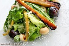 Sałatka z pieczoną pietruszką, gruszką i winogronami   Kwestia Smaku Chicken, Salads, Food Ideas, Salad, Chopped Salads, Cubs