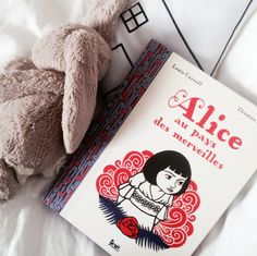 Alice's Adventures in Wonderland - NEW POST BLOG - All photos and details on the blog > www.mumisnotcooking.com #book #kids #kidsactivities #blog #frenchblogger #psblogger #Alice #playroom #enfants #bibliotheque