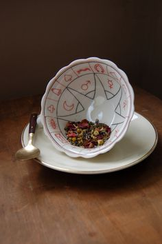 Tea:  Fortune telling teacup and saucer, for reading #tea leaves.