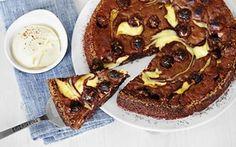 Kladdkaka med polly och färskostswirl, foto: via arla. Swedish Recipes, Fika, Dessert Recipes, Desserts, Cheesecake, Chocolate Cake, Brownies, Waffles, Cupcakes