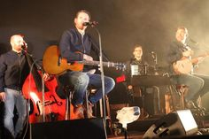 """Die Band """"Revolverheld"""" sorgte am Samstagabend für Stimmung auf der Wolgaster Schlossinsel."""
