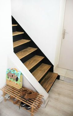 black and wood stairs Basement Stairs, House Stairs, Entryway Stairs, Painted Stairs, Wooden Stairs, Stair Landing, Stair Makeover, Interior Stairs, Stair Storage