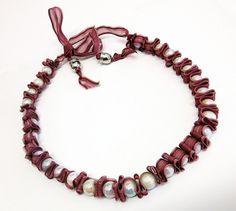 collana con nastrino di organza e perle bianche 10€