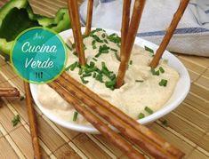 Liptauer Aufstrich zubereiten - Rezept von Joes Cucina Verde Chili, Grains, Rice, Food, Cooking, Simple Recipes, Fast Recipes, Chile, Essen
