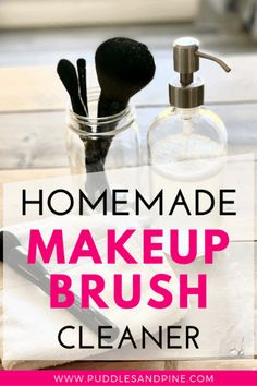 DIY All Natural Makeup Brush Cleaner This DIY non toxic makeup brush cleaner is good for your face a Non Toxic Makeup Brush Cleaner, Homemade Makeup Brush Cleaner, Best Makeup Brushes, Best Makeup Products, Young Living Makeup, Natural Beauty Recipes, All Natural Makeup, Diy Shampoo, Diy Hair Care