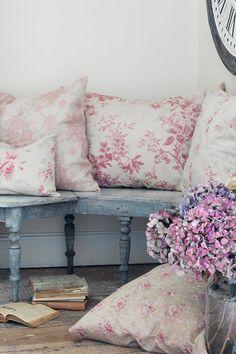 Cabbages & Roses | Metervara Alderny Raspberry Linnetyg | Matilde & Co | Handla online
