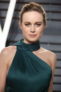 6 Times Brie Larson Was a Real-Life Superhero - Celebrities Female Brie Larson, Hollywood Celebrities, Hollywood Actresses, Sacramento, Female Actresses, Short Outfits, American Actress, Blond, Beautiful People