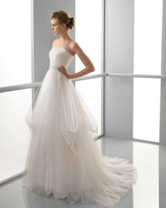 122 FEBRERO / Wedding Dresses / 2013 Collection / Alma Novia