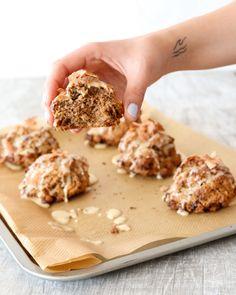 Whole grain carrot-cake scones with honey-lemon glaze Easy Cake Recipes, Great Recipes, Unique Recipes, Scone Recipes, Toasted Pecans, Toasted Coconut, Healthy Cookies, Healthy Treats, Breakfast Toast