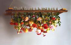 DIY: romantische bloemenkroonluchter als feestdecoratie - Roomed