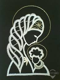 Paličkovaná Madona s dieťaťom Madonna, Crochet Wall Art, Bobbin Lace Patterns, String Art Patterns, Dot Art Painting, Lace Heart, Lace Jewelry, Wool Yarn, Lace Detail