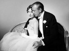 Audrey Hepburn and Gary Cooper in a promo still for Love in the Afternoon (1957) Audrey Hepburn Movies, Audrey Hepburn Born, Audrey Hepburn Photos, Hooray For Hollywood, Golden Age Of Hollywood, Vintage Hollywood, She's A Lady, My Fair Lady, Actors Male