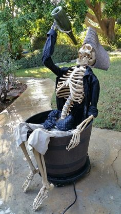 From halloween exterior decorations as well as wreaths to ghostly homemade projects, fabulous exhibits, adorable small ornaments for your mantel, gigantuous bugs and more! Pirate skeleton drinking from a bottle fountain display. Halloween Skeleton Decorations, Halloween Prop, Diy Halloween Decorations, Halloween 2019, Holidays Halloween, Halloween Themes, Halloween Crafts, Outdoor Decorations, Pirate Halloween Party