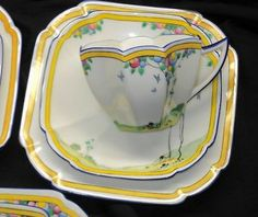 SHELLEY ONE SET QUEEN ANNE BALLOON TREE TEA CUP AND SAUCER TRIO
