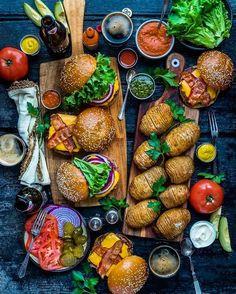 Burger nightTag someone who loves burguers . By: @dennistheprescott