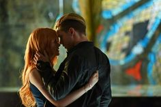 Kiss scene #Shadowhunters #Clace