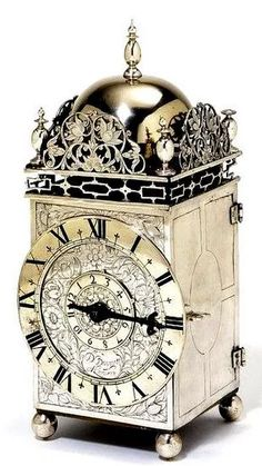 """Часы """" Фонарь"""" - автор  David Bouquet, серебро, датированы 1650 г"""