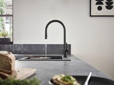 Kjøkkenbatteri med uttrekkbar dusj og to stråletyper. Kitchen Mixer, Kitchen Units, Kitchen Handles, Kitchen Faucets, Bathroom Showrooms, Kitchen Installation, Soap Dispensers, Shower Panels, Shower Set