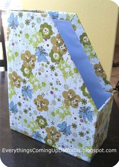 Everything's Coming Up Daffodils: Organizational Bliss: A DIY File Folder