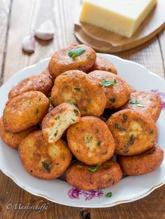 g Pangrattato Sale Pepe New Recipes, Holiday Recipes, Cooking Recipes, Veggie Dishes, Tasty Dishes, All U Can Eat, Sicilian Recipes, Food Crush, Comfort Food
