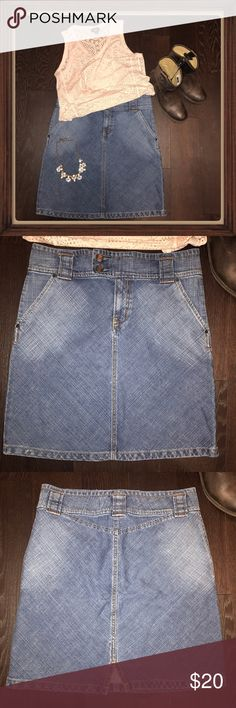 """Gap A-line Denim knee length skirt Sz8 Excellent, like new condition.  Measured while laying flat: 20"""" length, 16"""" waist, progressively opens up to 20"""" at hem line.  Please ask any questions.  Thanks for looking! GAP Skirts A-Line or Full"""