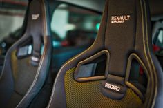 Renault Clio RS& Recaro seats are spectacular Clio Sport, Sport F1, Car Camping Essentials, Camping Hacks, Sleeping In Your Car, Convertible, Renault Sport, Cold Weather Camping, Winter Car