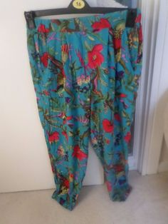 PAIR OF LADIES NEW YORK LAUNDRY TROUSERS (SIZE 12) FLORAL #NEWYORKLAUNDRY